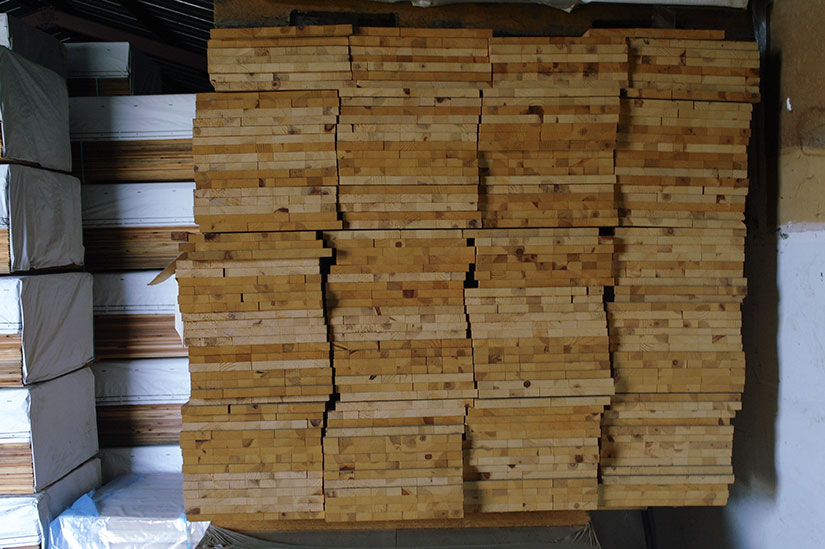 12 Finger Joint Edge Glued Pine